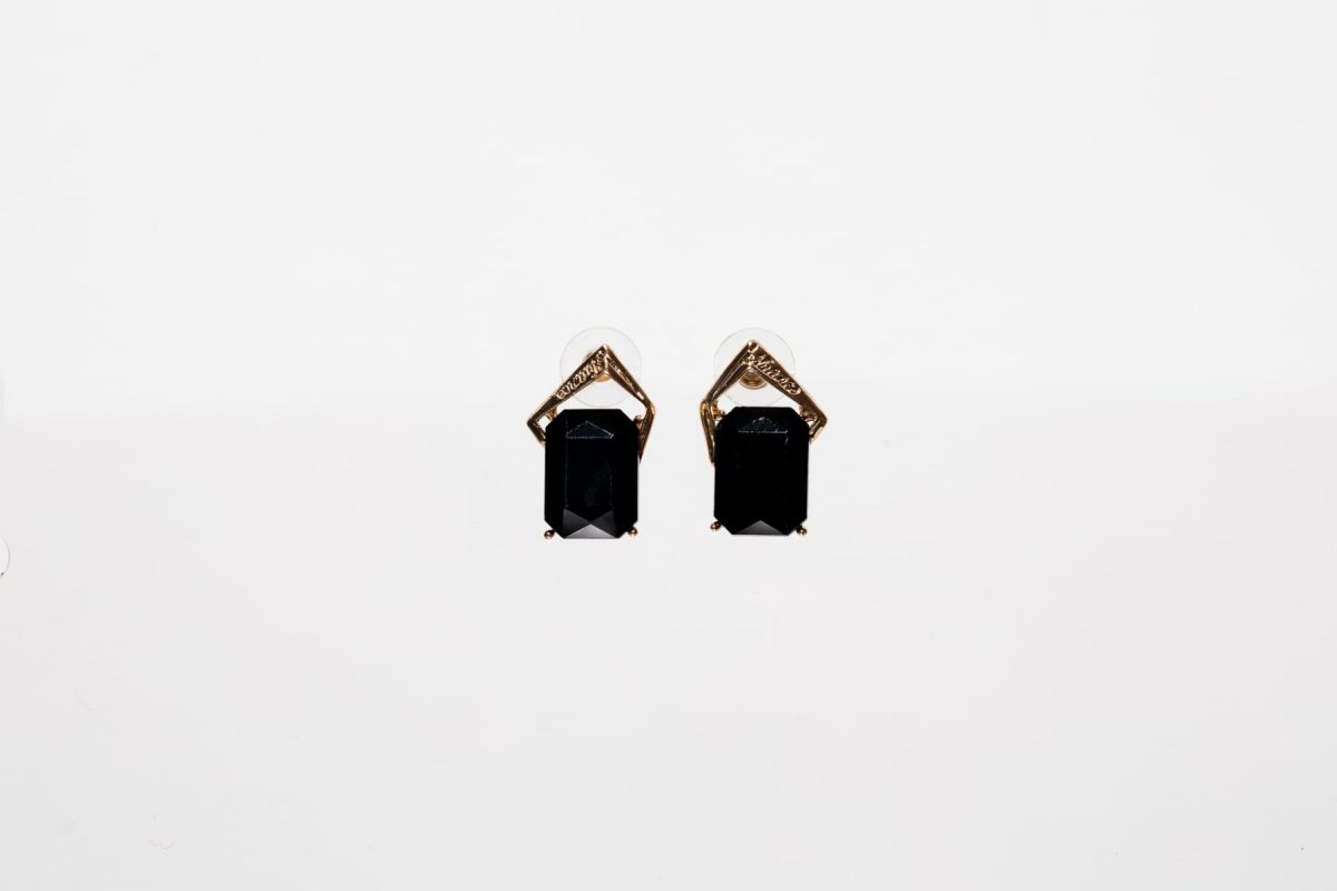Black Rectangular Stud Earring -0